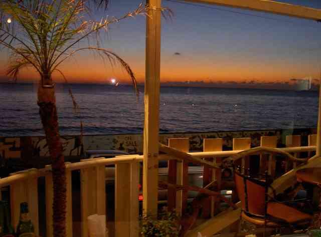 http://image1-4.tabelog.k-img.com/restaurant/images/Rvw/1907/640x640_rect_1907418.jpg