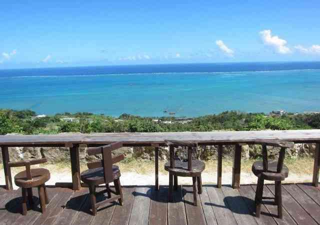 沖縄旅行で立ち寄りたい!海が見える絶景カフェ人気店6選