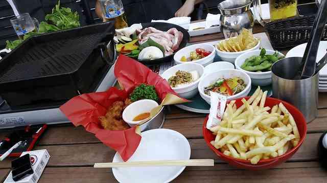 http://image1-1.tabelog.k-img.com/restaurant/images/Rvw/20132/640x640_rect_20132398.jpg