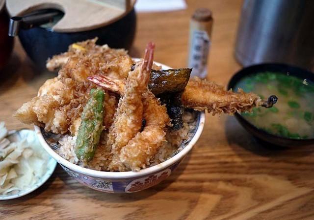 待ち時間30分以上!並んでも食べてみたい!東京で行列ができるグルメ6選
